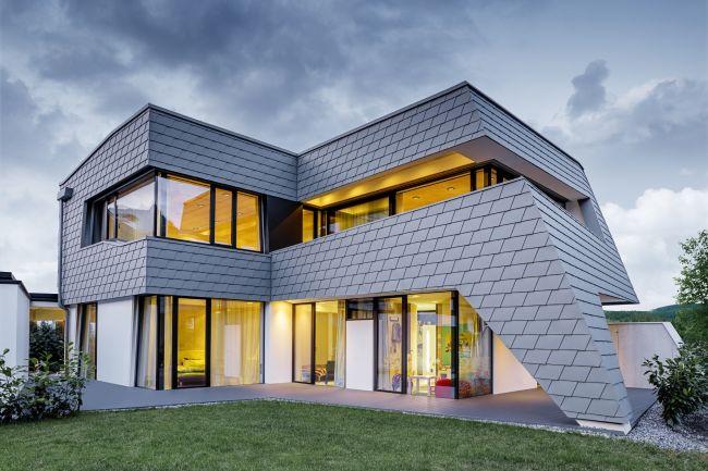 Scandole Prefa per il rivestimento di una villa realizzata nelle Alpi tirolesi