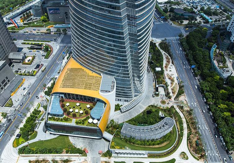 La Shanghai Tower e i suoi giardini