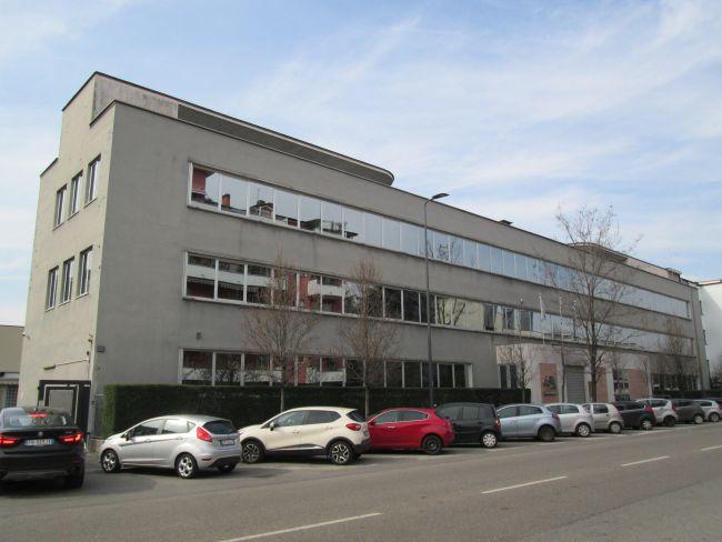 La sede della central shipping Agency di Milano prima dell'intervento di riqualificazione