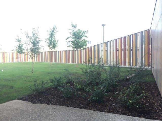 La nuova scuola di Cernusco sul Naviglio con orti e spazi verdi
