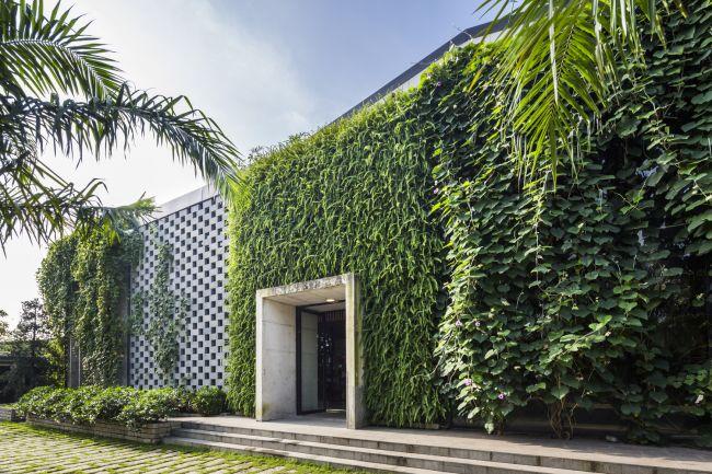 La fabbrica Desino in Vietnam immersa nel verde