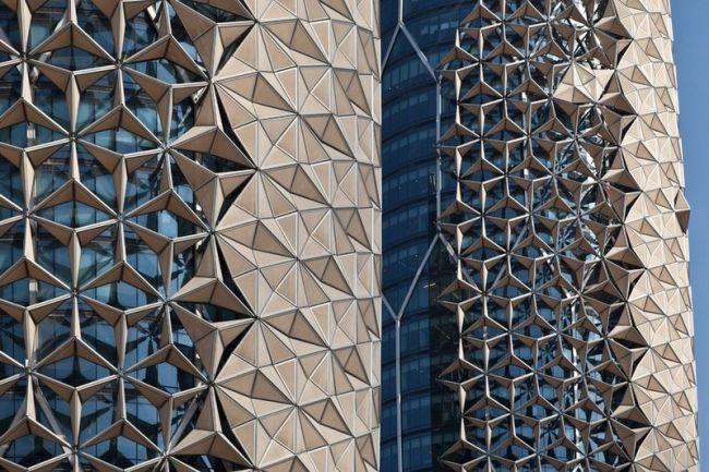 Le strutture intelligenti delle torri Al Bahar Towers di Abu Dhabi