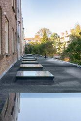 Finestre per tetti piatti F di Fakro con altissimo coefficiente di isolamento termico