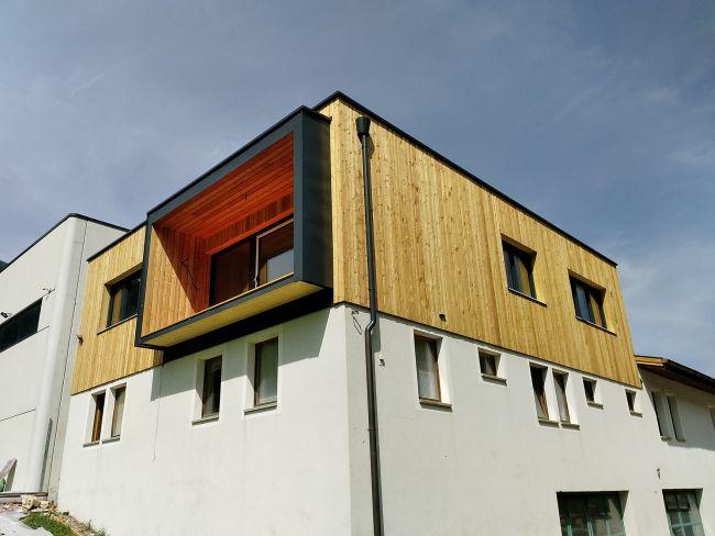 Sopraelevazione in legno di Vario Haus per la creazione di appartamenti sopra l'immobiliare Eldag AG