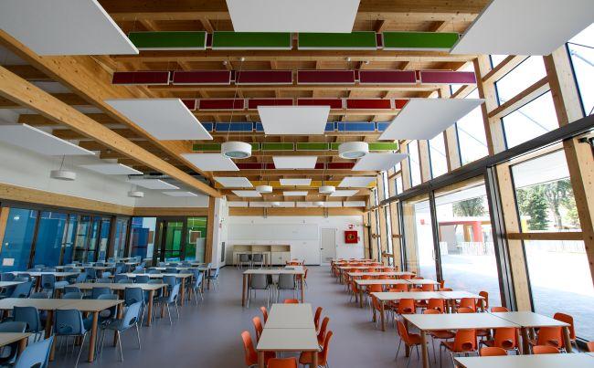 Legno e illuminazione naturale per la scuola d'Infanzia Pietro Nenni