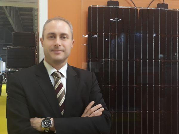 Fabrizio Limani di Solarwatt con i moduli vetro vetro vision
