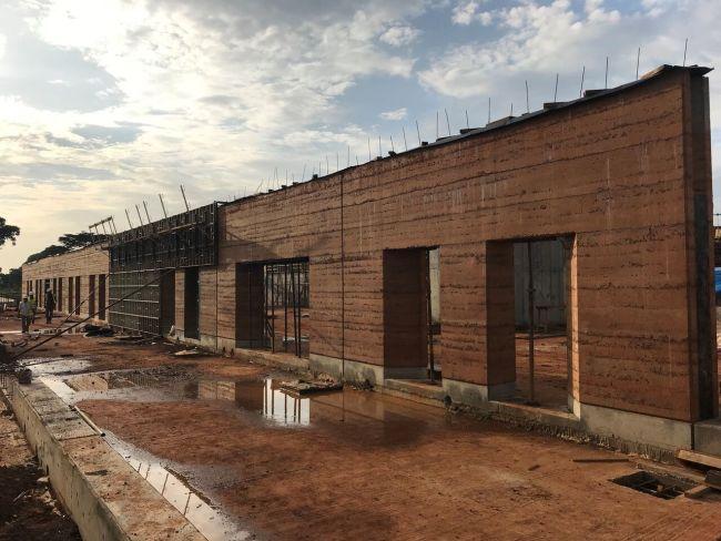 Scermatura solare Resstende per l'ospedale in Uganda di Emergency