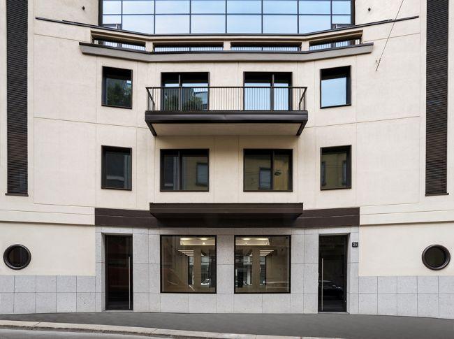 Ingresso dell'edificio Fatebenefratelli 14 a Milano