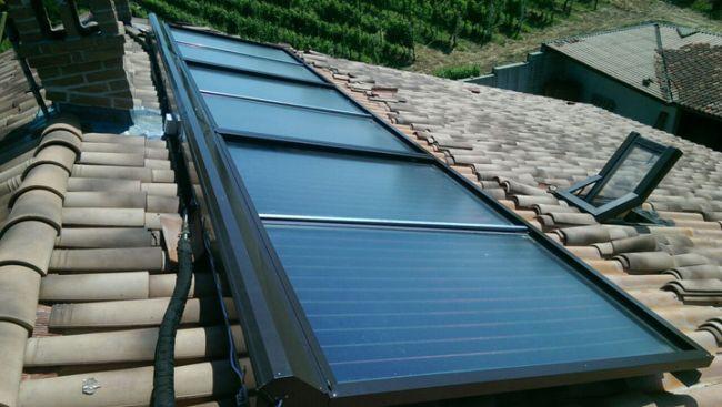 Tapparella solare di energia eco finbi che protegge i pannelli