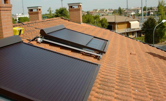 Tapparella solare di energia eco finbi che protegge dal surriscaldamento