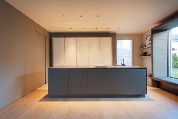 Spazi interni semplici ed eleganti per una villa in bioedilizia in Val Pusteria