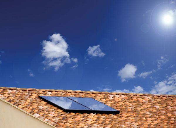 Alta efficienza e pellicola protettiva per il collettore solare SOL 250-V di Baxi