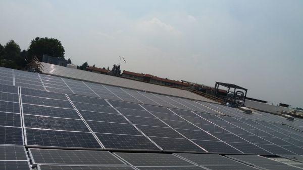 Per l'impianto fotovoltaico dell'industria chimica Panzeri utilizzati i pannelliVitovolt 300 di Viessmann