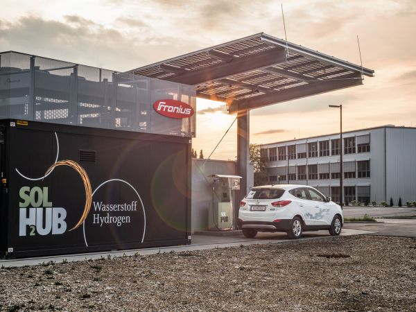 Fronius inaugura in Austria il primo impianto ecologico di rifornimento di idrogeno