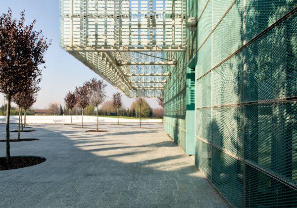 KME per il rivestimento di uno degli edifici dell'Energy Park di Milano