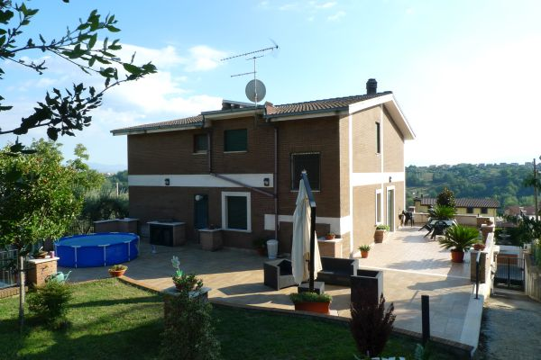 Villa Donatella prima dell'intervento di coibentazione realizzato da Brianza Plastica