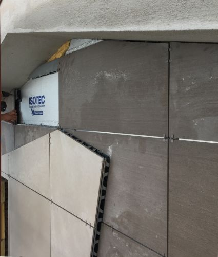 I pannelli termoisolanti Isotec di Brianza plastica per la coibentazione di Villa Donatella