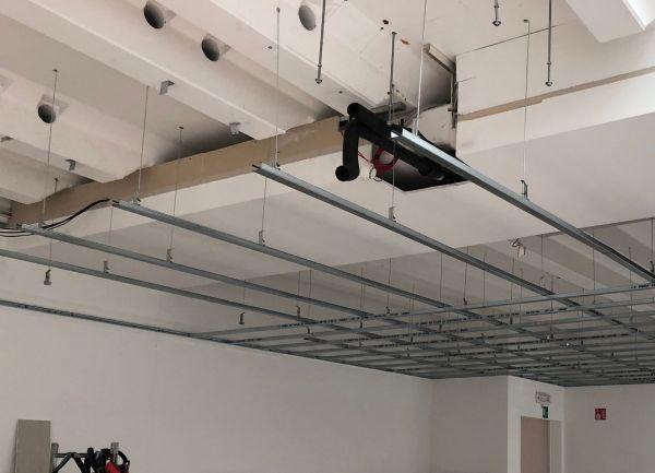 Installazione dei pannelli attivi BLife in uno show room in Trentino