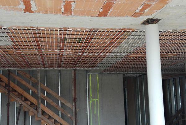 Illuminazione Con Riscaldamento A Soffitto : Impianti radianti a pavimento soffitto o parete