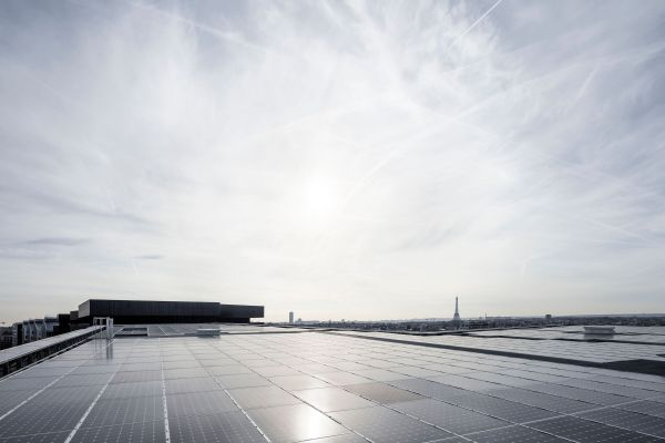 Fotovoltaico sul tetto del Green Office® ENJOY a Parigi