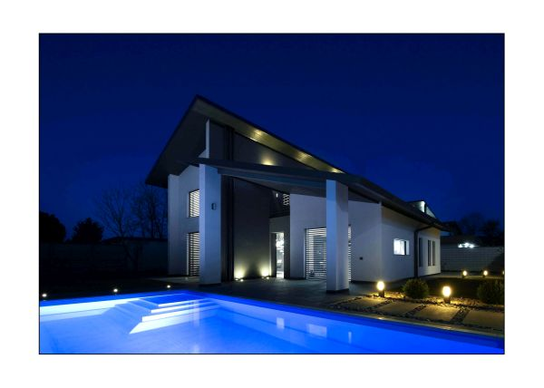 Sistemi Zehnder per le residenze monofamiliari NOE4. Vista notturna
