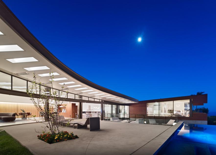 Fotovoltaico, solare termico e ventilazione naturale per il Residence Ziering