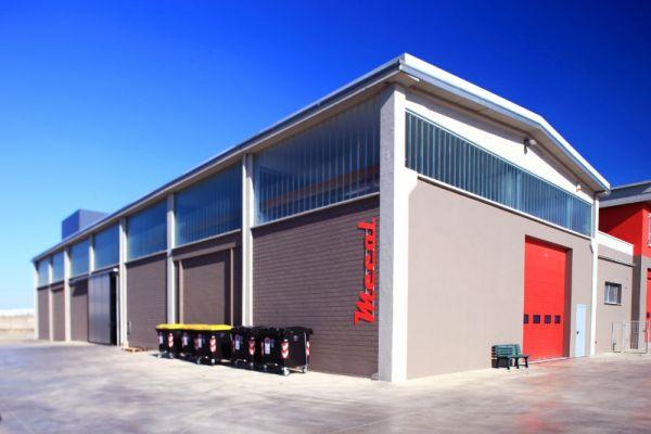 Ottimo comfort nei capannoni industriali grazie alle pompe di calore Hoval