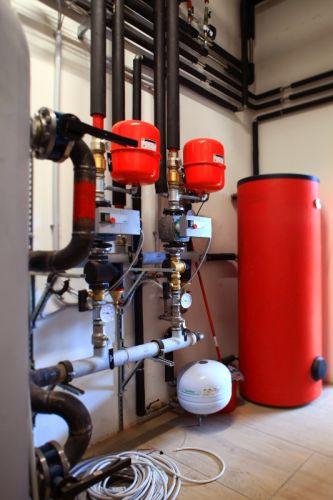 Centrale termica Hoval nella riqualificazione dei capannoni industriali di Mecal