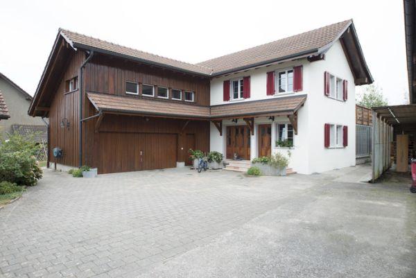 Riscaldamento efficiente e silenzioso di un'abitazione familiare a Baldingen grazie a Hoval