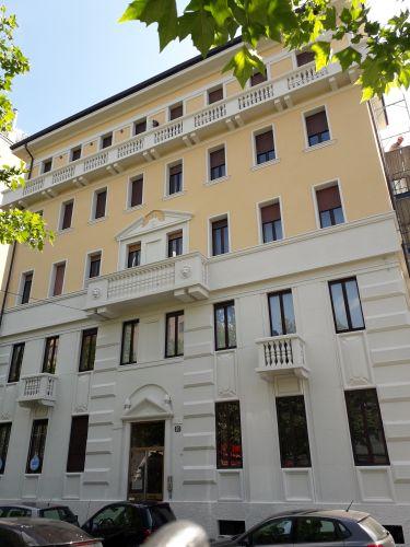 La facciata del condominio di Viale Murillo a Milano dopo l'intervento di riqualificazione