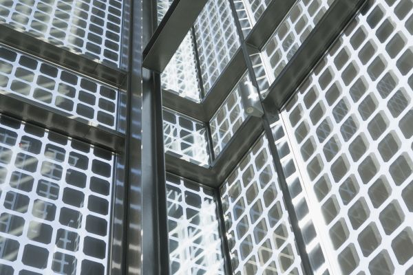 Progetto Il Chiostro: celle fotovoltaiche integrate nelle vetrate dei vani scala