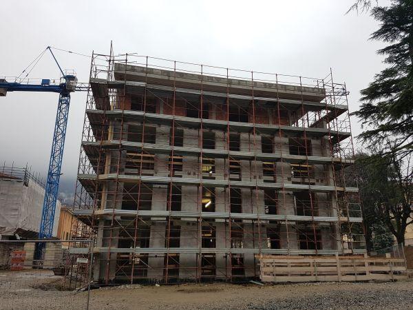 Il cantiere dell'intervento di riqualificazione efficiente di  Villa Feloy di Como