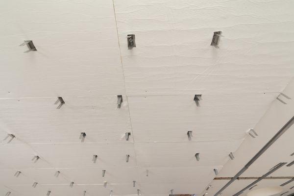 Posa pannelli Amagel A2 di Ama Composites in un attico a Sassuolo