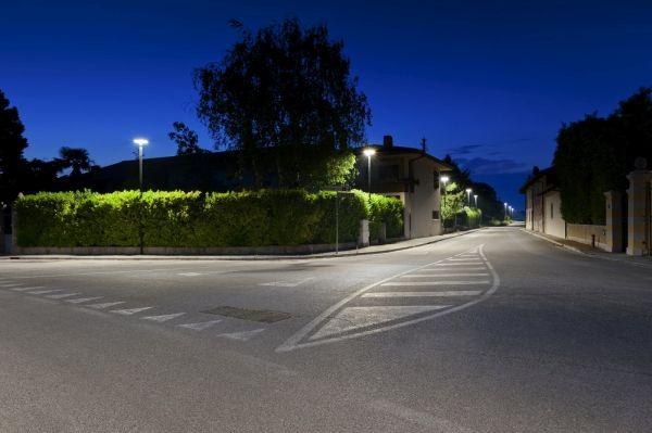 Sistemi di illuminazione con luce LED connessa per tre borghi storici
