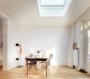 Prestazioni e design per la finestra per tetti piatti FAKRO F