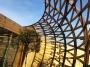 La nuova scuola di danza di Reggiolo, Una cesta di legno che si illumina di notte