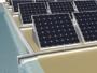 Pannelli fotovoltaici che producono acqua pulita