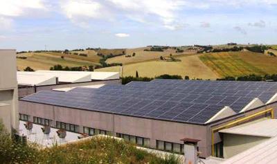 Risultati immagini per fotovoltaico su capannone industriale
