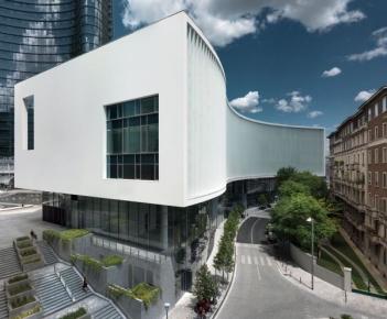 Porta Nuova Building, un volume di connessione