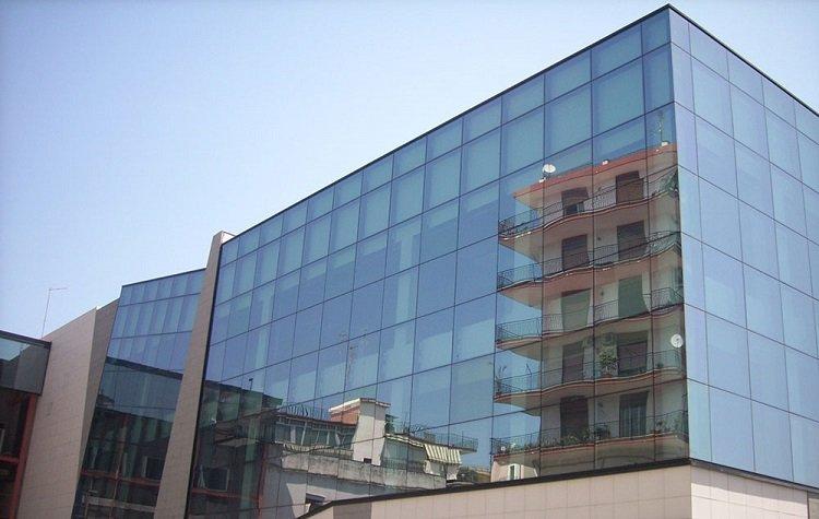 Efficienza energetica dell'involucro trasparente: ecco le tipologie di vetro