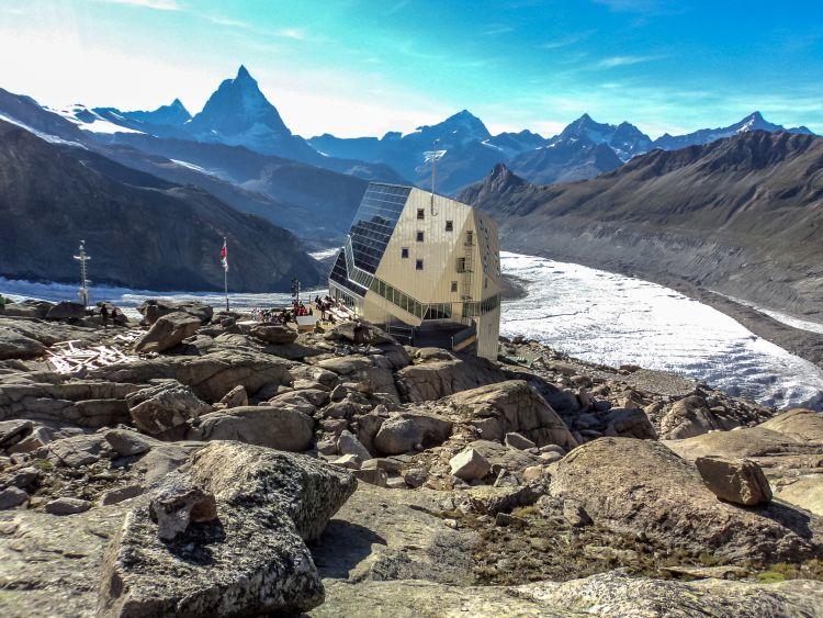 Il rifugio autosufficiente a livello energetico Monte Rosa Hutte