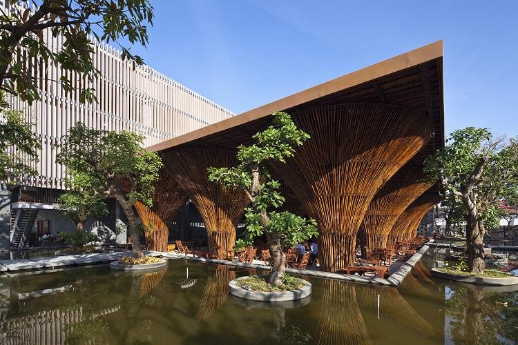 Kontum Indochine Café realizzato in bambù