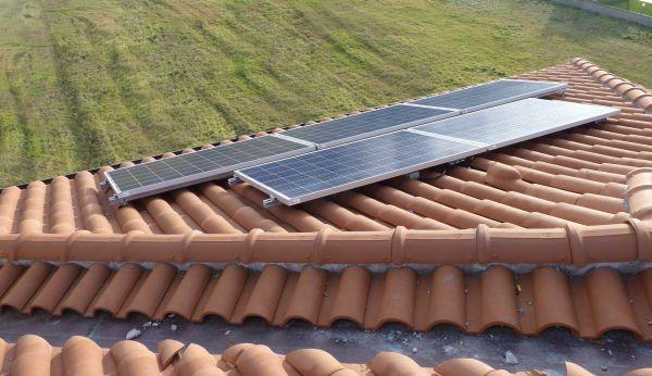 Fotovoltaico obbligatorio in  edilizia, la proposta di Enphase