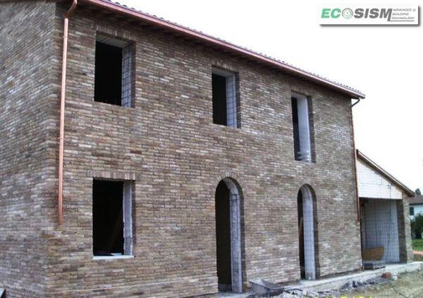 Demolizione e ricostruzione con tecnologia Ecosism®