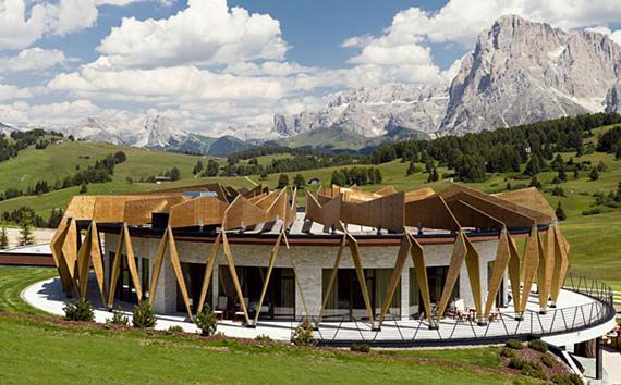 Caldaie Viessmann per il prestigioso Hotel Alpina Dolomites