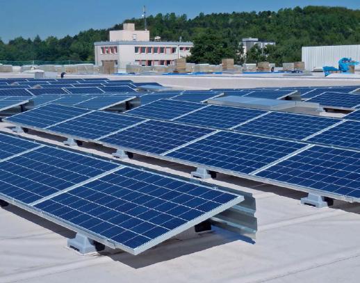 Soluzione per installare moduli fotovoltaici rigidi su tetti piani