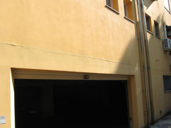 Viero: guida alla risoluzione del problema delle fessurazioni in facciata