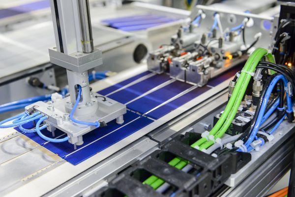 Nuovo record mondiale di rendimento per le celle solari PERC