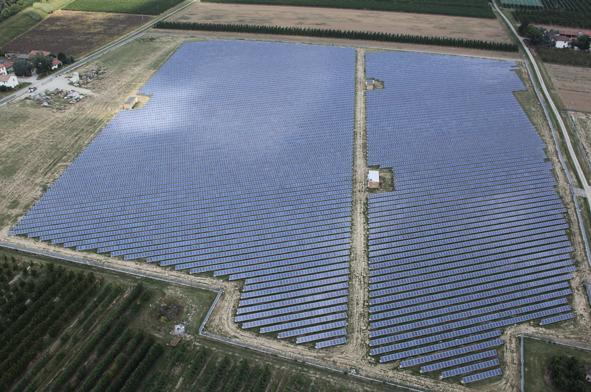 150MWp di fotovoltaico ed eolico in Egitto