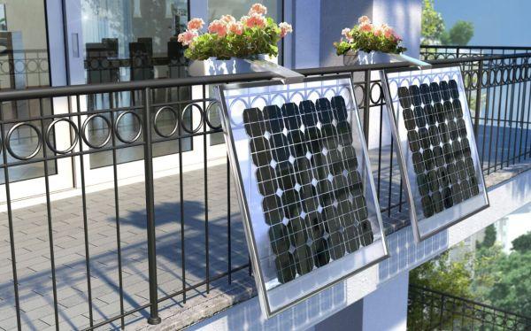 Mini pannello fotovoltaico, elemento di design, utile porta fiori
